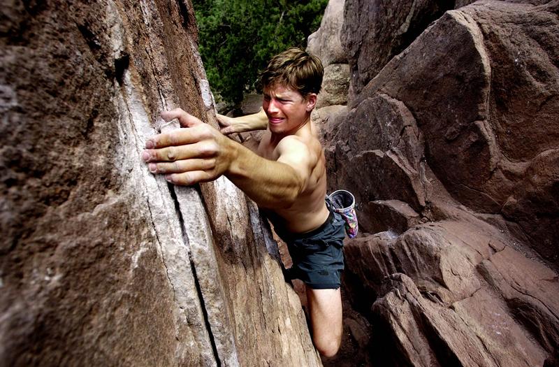 ロッククライミングの生理学的要求(握力の持久力低下と相関しているクライミング中の血中乳酸濃度は3~10mmol/Lに達すると報告されている)