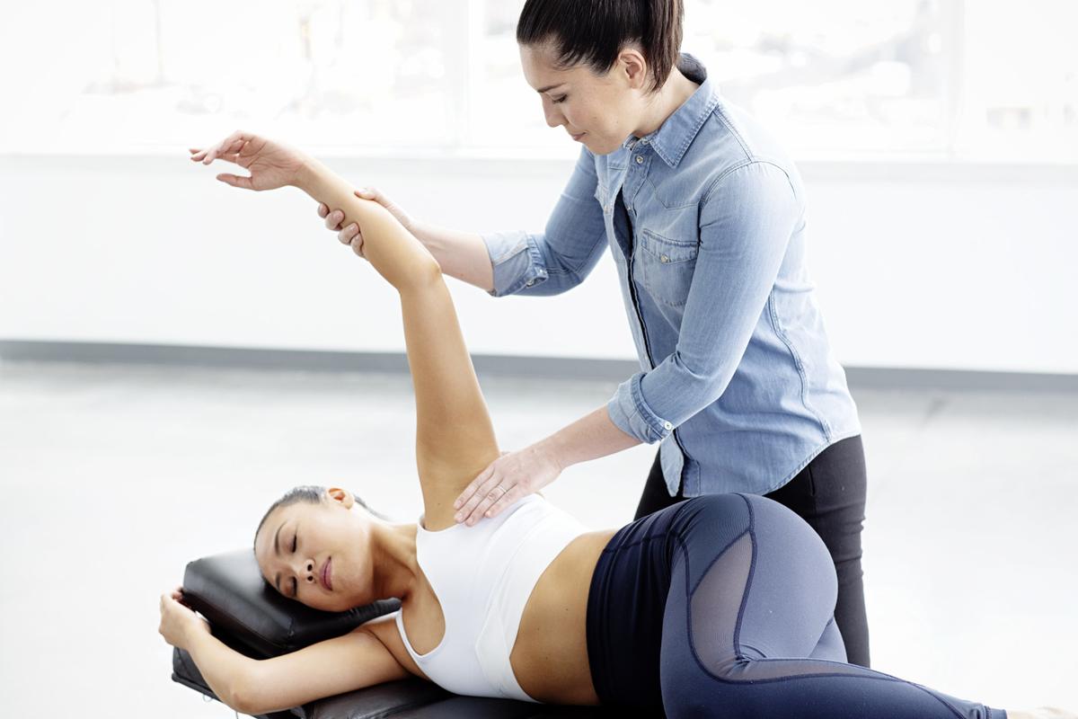 アスリートに発生する肩関節後部の緊張の改善(バイオメカニクス的観点からみて、PSTは直接的に上腕骨頭の偏位異常に関与し、それが前述したような肩関節疾患を引き起こしている可能性が考えられる)