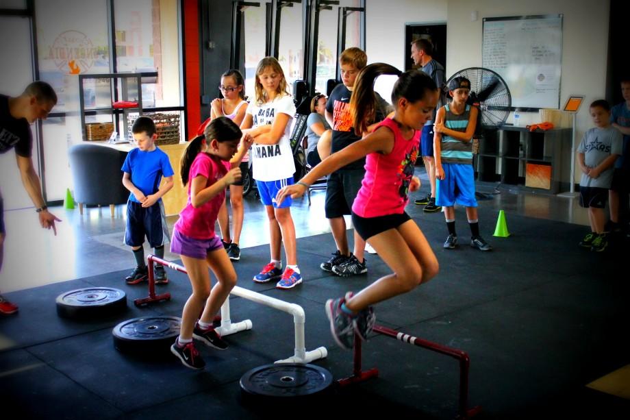 子どものEURとSJ(成熟度に関連した運動制御の問題により、SJのジャンプパフォーマンスにはばらつきが大きく、ジャンプパフォーマンスの変動は常に確認されている)