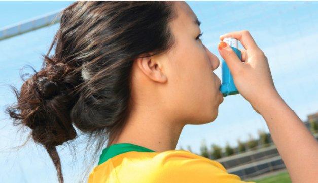 エクササイズと喘息(水泳は湿度の高い環境で行われ、水平な姿勢をとるため粘液が喉に詰まりにくい利点がある)