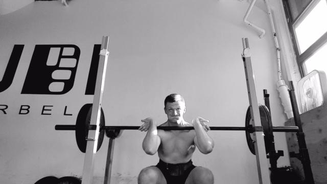 適切に計画された期分け筋力トレーニングプログラムに組み込むには(CTを実行する際は、アスリートのテクニックとパワーが代謝性疲労の影響を受けないようにしなくてはならない)