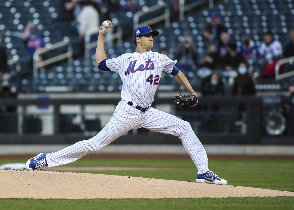 投球のキネティックチェーンと投球速度(ボールリリースにおける手の最高速度は、肩関節の最大外旋と肩関節の最大外旋モーメント、ピーク肘関節伸展速度の大きさと相関関係がある)