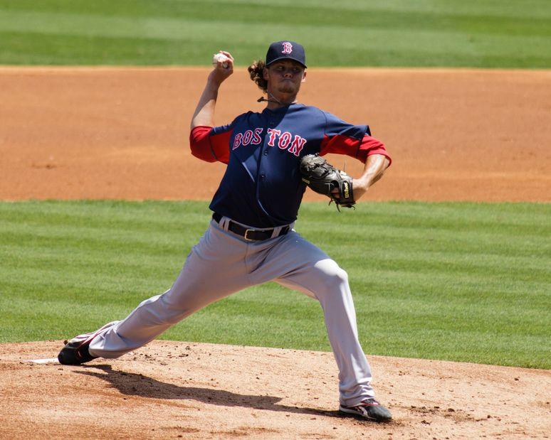 野球肘:投球動作のレイトコッキング期(投球側の肩における外旋トルクの増大は、肘内側の傷害度の上昇と高い相関関係がある)