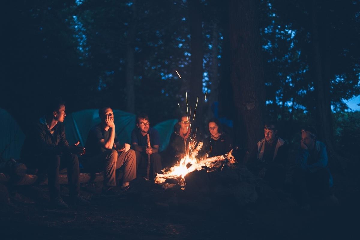 たき火 キャンプ 火 炎 グループ 光