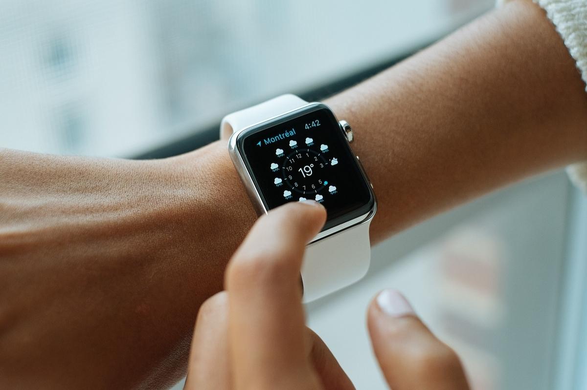 スマートな腕時計 アップル 技術 スタイル