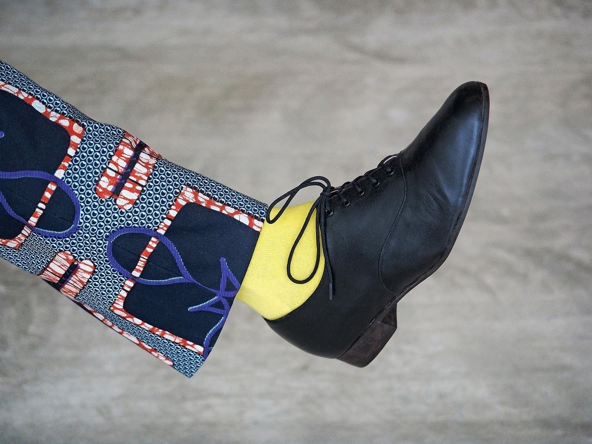 革靴 ソックス 靴下 黄色い靴下