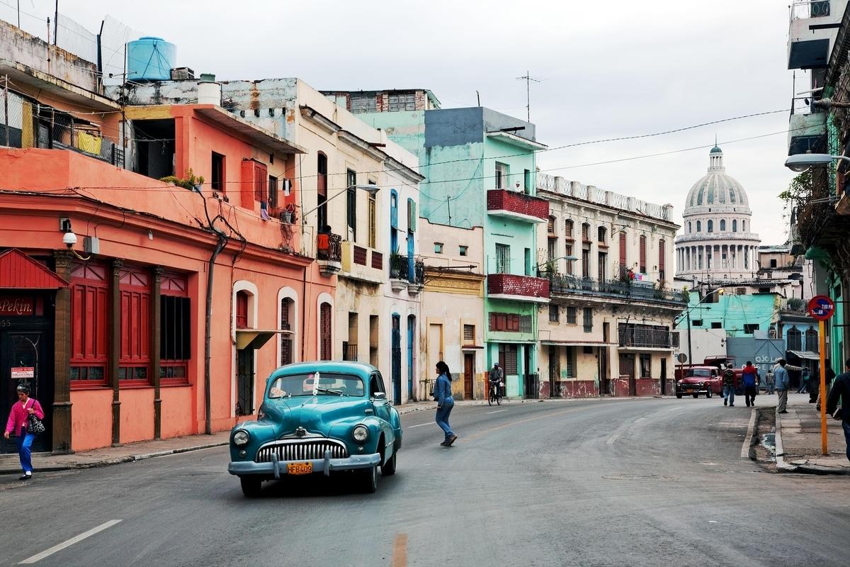 キューバ ハバナ 古い車 クラシック