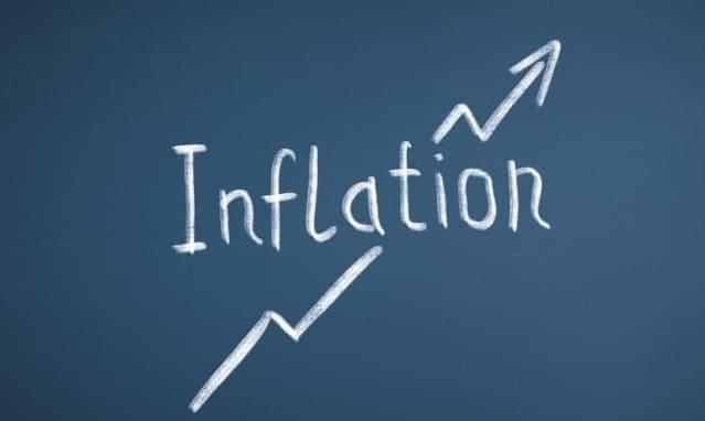 「Inflation」と書かれた黒板