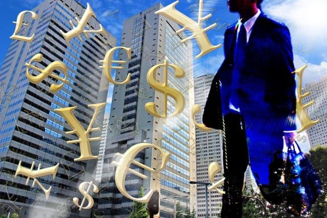 FX(外国為替証拠金取引)をするサラリーマンのイメージ
