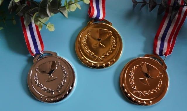 金メダルと銀メダルと銅メダル