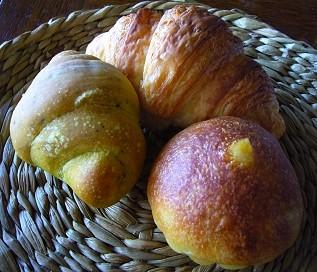 こんがりパンやのパン