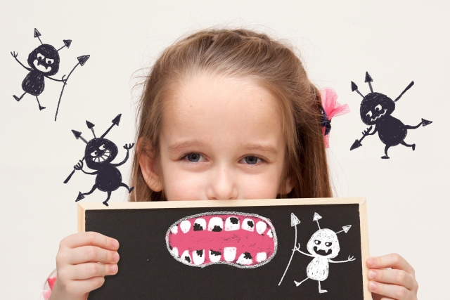 虫歯の女の子の画像