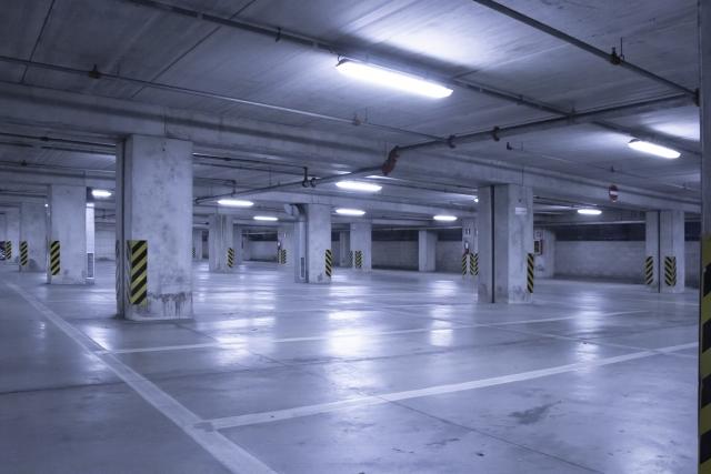 地下駐車場の画像