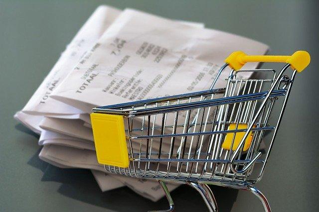 レシートとショッピングカートの画像