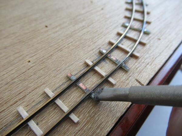 ハンダの掃除 ワイヤーブラシ