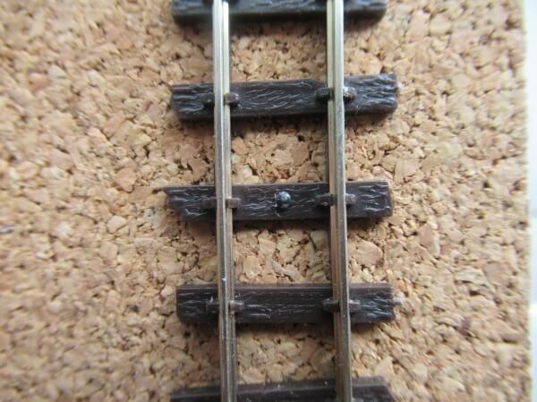 HOナローのフレキシブルレール篠原模型(コード60)とPECO(コード80)を比較