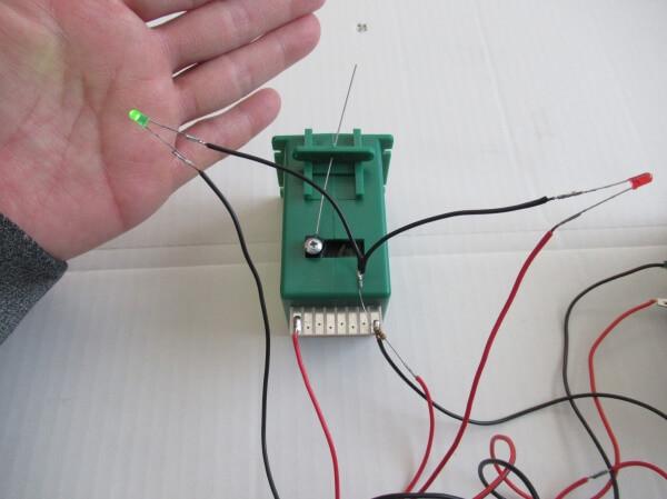 ポイントレールの開通方向をLEDで表示!抵抗器の基礎と配線方法を解説