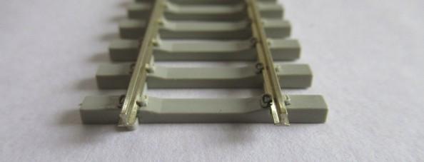 PECO SL-102F OO/HOゲージ(16.5mm) ファイン フレキシブルレール(PC枕木)
