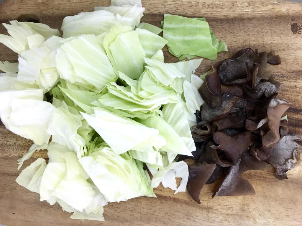【どれも3分以内】キャベツ一玉買ったら食べ尽くす! 簡単使い切りレシピ3選