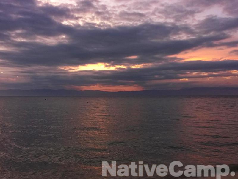 ビーチから望む夕焼け
