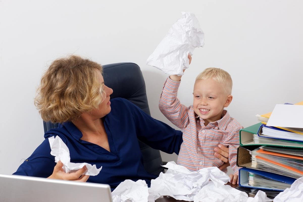 紙、いたずら、外国人、子供、勿体無い