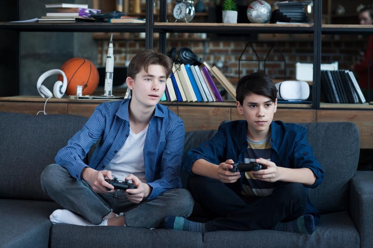 テレビゲーム、外国人、子供、男の子