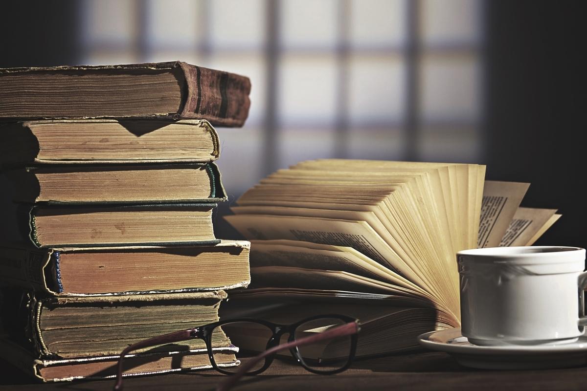 机、本、古本、シリーズ、古書