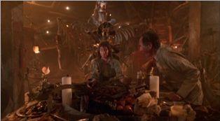 10062024『悪魔のいけにえ2』定番の家族の食卓。.JPG