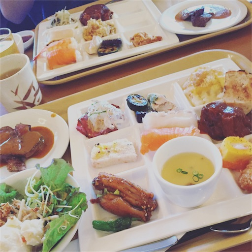 ホテルの食事(夕食・朝食)