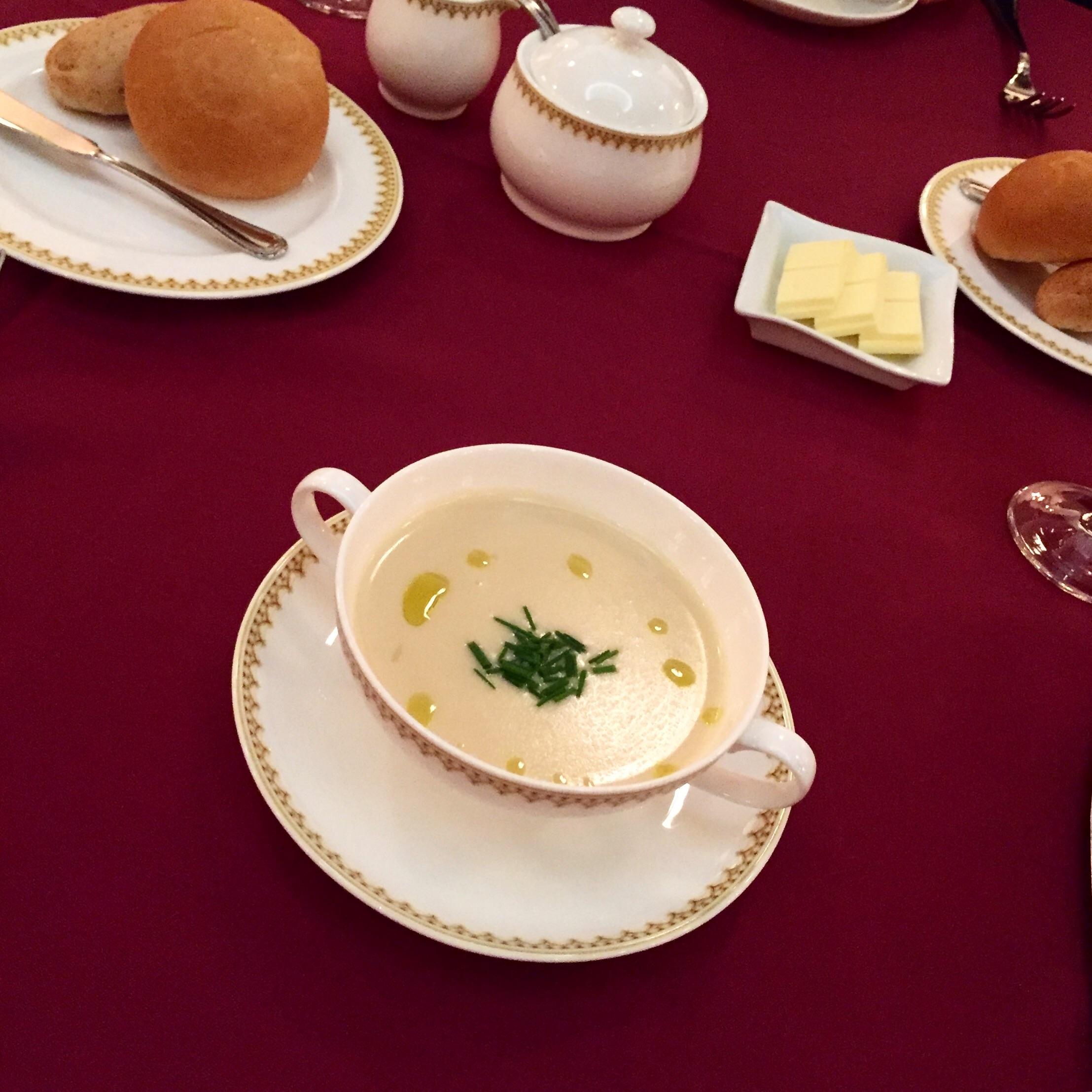 前菜・本日のクリームスープ