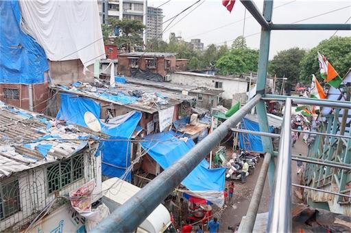 百万人以上が住む巨大なスラム
