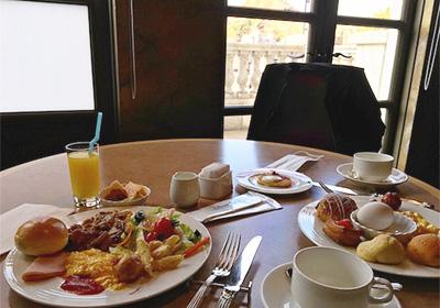 オチェアーノの朝食ブッフェ
