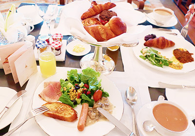 シーラウンジでの朝食