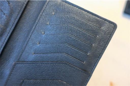 ルイヴィトンの財布、10年後のカード差し込み部分の痛み