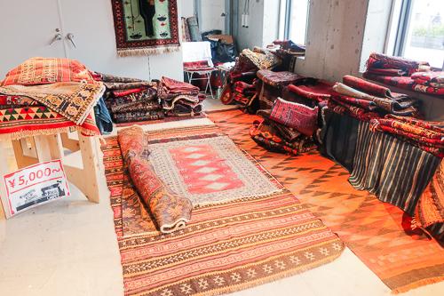 天王洲ハーバーマーケット:絨毯
