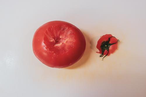 無限トマトの作り方 1、ヘタをとる
