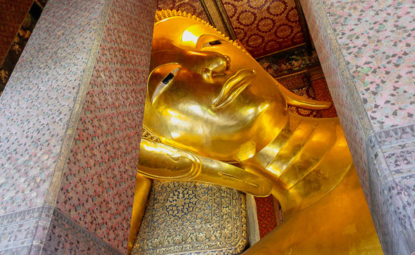 golden statue is famous 'Nirvana Buddha'