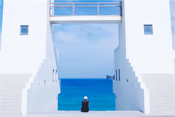 新島ブルーとメインゲート