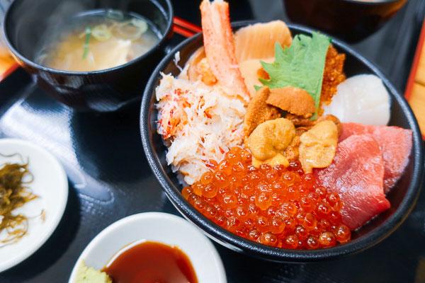 場外市場うめえ堂海鮮丼日替わり丼セット