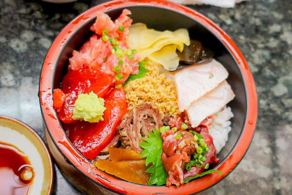 これが寿司処 海音のまぐろ三味丼