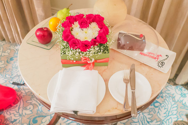 タージマハルホテル部屋サプライズケーキ