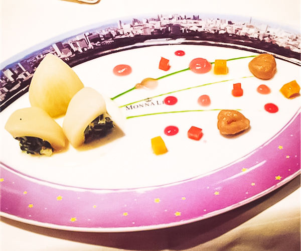 モナリザフレンチ 食器も素敵だし料理も繊細で美味しい!!