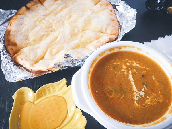 土昼:絶品インドカレー&チーズナン