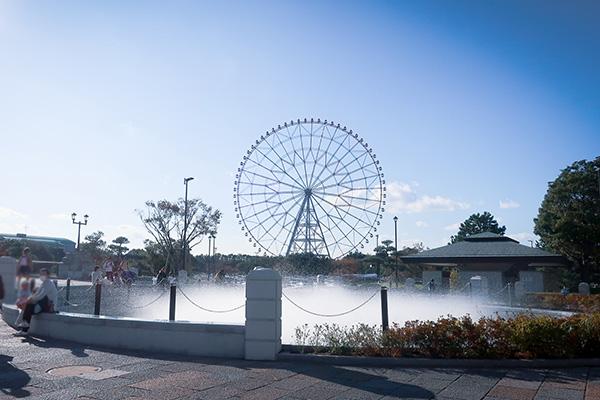 葛西臨海公園観覧車と噴水