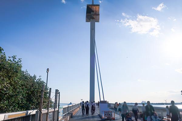 西なぎさへの橋