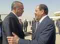 [中東][トルコ]トルコ首相を出迎えるイラク首相