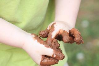 生理前の茶色いオリモノの原因や病気や臭いの対処法