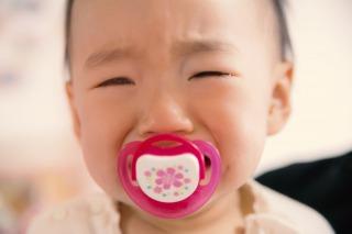 泣きやまない赤ちゃん生後月ごとの泣き止ませる方法