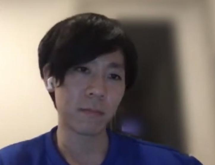 terasawa が神妙な顔をしている写真