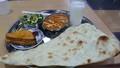 ベジタブルAセット ナンとカレーパンと野菜サラダとラッシー付き